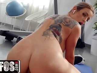 """""""mofos - Yoga Stunner Marica Chanelle Fellates Point Of View"""""""