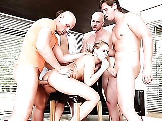 Daring Porno Mega-slut Bara Brass Is Able To Serve Insatiable Studs All At Once