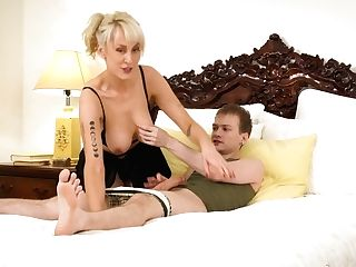 Filthy Matures Woman Maxim Law Gives A Blow-job To Her Sleeping Stepson